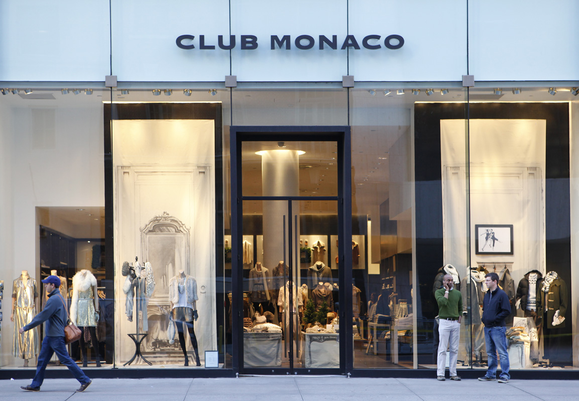 Club Monaco offers chic and stylish men's and women's clothing. Discover fashionable dresses, shirts, pants and more when you shop Club Monaco.